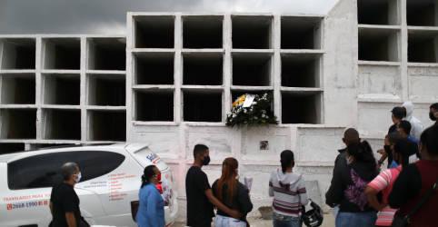 Placeholder - loading - Imagem da notícia Brasil registra 1.271 novas mortes por Covid-19 e total atinge 116.580
