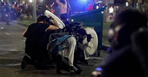 Placeholder - loading - Protestos em Wisconsin deixam 2 mortos em terceira noite de violência