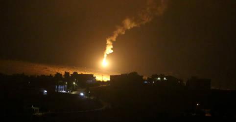 Placeholder - loading - Imagem da notícia Israel ataca postos do Hezbollah no Líbano após disparos contra tropas, dizem militares