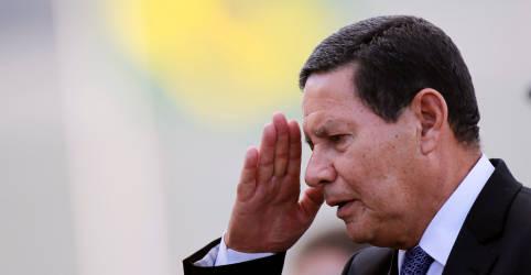 Placeholder - loading - Amazônia tem que ser desmistificada, não é a floresta inteira que pega fogo, diz Mourão