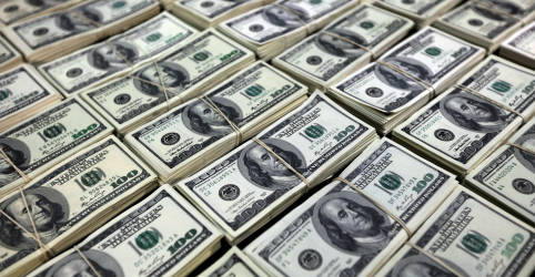 Placeholder - loading - Dólar sobe ante real em dia de Ptax com questão fiscal doméstica em foco
