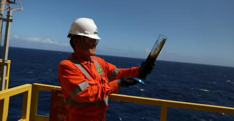 Placeholder - loading - Imagem da notícia Produção de petróleo do Brasil cresce 11% em julho na comparação anual, diz ANP