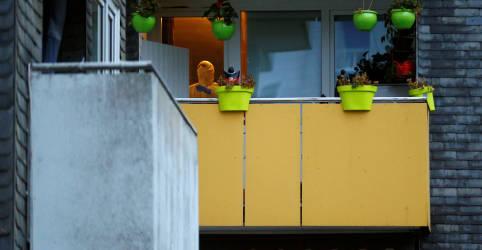Placeholder - loading - Cinco crianças são encontradas mortas em apartamento na Alemanha; mãe tenta se matar