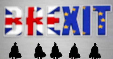 Placeholder - loading - Imagem da notícia Pôquer do Brexit começa: Reino Unido prepara saída sem acordo comercial