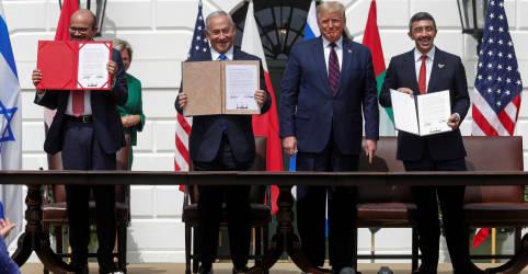 Placeholder - loading - Imagem da notícia Emirados Árabes e Barein assinam acordos com Israel mediados pelos EUA e rompem longo tabu