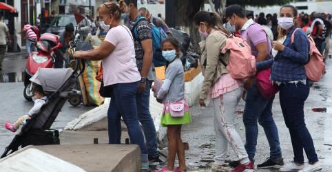 Placeholder - loading - Imagem da notícia Diretora da OMS alerta que América Latina está reabrindo cedo demais e Covid-19 ainda é um risco
