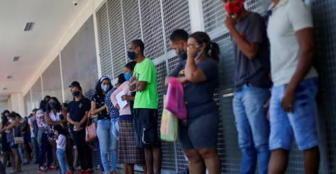 Placeholder - loading - Imagem da notícia Precatórios podem engordar Renda Cidadã em R$40 bi, mas não são solução estrutural