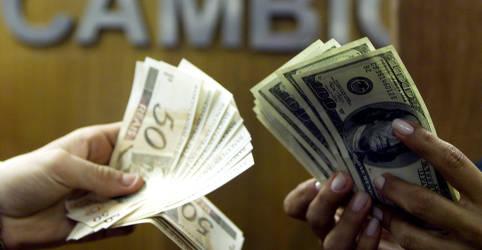Placeholder - loading - Imagem da notícia Dólar tem maior alta para setembro em 5 anos em mês marcado por temor fiscal; moeda sobe 40% em 2020