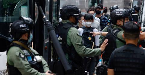 Placeholder - loading - Polícia de Hong Kong prende dezenas para evitar protestos em feriado da China