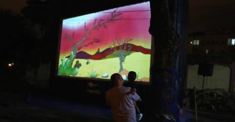 Placeholder - loading - Imagem da notícia Rio de Janeiro autoriza volta de cinemas e teatros com bombonières