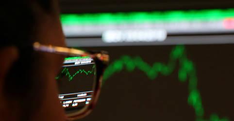 Placeholder - loading - Imagem da notícia Ibovespa avança 0,9% com apoio de Petrobras e Wall Street