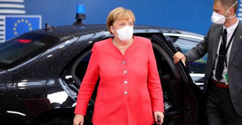 Placeholder - loading - Imagem da notícia Merkel deseja rápida recuperação a Trump após teste positivo para coronavírus, diz porta-voz