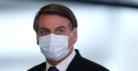 Placeholder - loading - Bolsonaro defende indicação de Kassio Nunes ao STF e chama ataques de covardia
