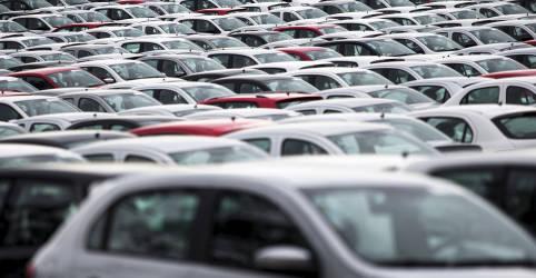 Placeholder - loading - Imagem da notícia Anfavea reduz previsões de queda em vendas e produção de veículos no Brasil em 2020