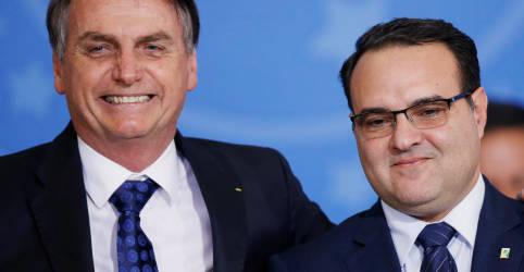 Placeholder - loading - Bolsonaro encaminha ao Senado indicação de Jorge Oliveira para vaga no TCU
