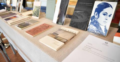 Placeholder - loading - Imagem da notícia Poeta norte-americana Louise Gluck ganha Nobel de Literatura 2020