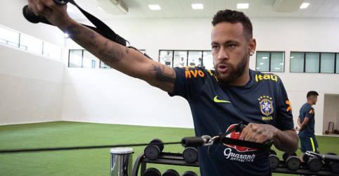 Placeholder - loading - Imagem da notícia Neymar sente dores e pode desfalcar Brasil em estreia nas eliminatórias