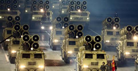 Placeholder - loading - Imagem da notícia Coreia do Norte revela novo míssil balístico intercontinental 'monstruoso' em desfile