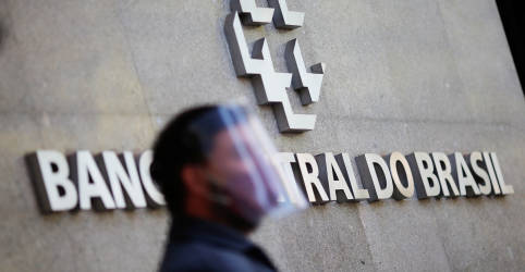 Placeholder - loading - Imagem da notícia Atividade econômica do Brasil desacelera em agosto, com alta de 1,06%, diz BC