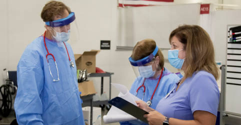 Placeholder - loading - Imagem da notícia Casos de coronavírus nos EUA passam de 8 milhões com aumento de infecções por todo país