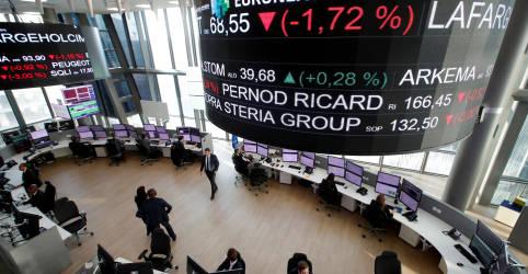 Placeholder - loading - Imagem da notícia Ibovespa fecha em queda com bancos e Petrobras, mas tem semana positiva