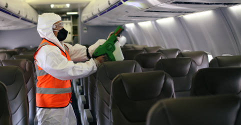 Placeholder - loading - Imagem da notícia Especialista critica dados do setor aéreo sobre Covid-19