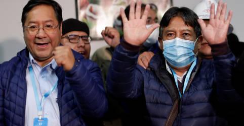 Placeholder - loading - Imagem da notícia Socialistas da Bolívia selam vitória de retorno após ano tumultuado