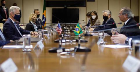 Placeholder - loading - Imagem da notícia Brasil e EUA assinam acordo para promover fluxo bilateral de comércio e investimentos