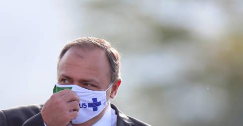 Placeholder - loading - Imagem da notícia Pazuello confirma Covid-19 e é o 12º ministro contaminado
