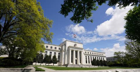 Placeholder - loading - Imagem da notícia Recuperação dos EUA segue lenta, alguns setores enfrentam dificuldades, diz Livro Bege do Fed