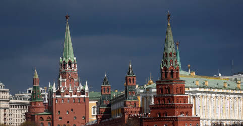 Placeholder - loading - Imagem da notícia Kremlin nega acusação dos EUA de interferência em eleição presidencial