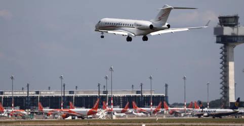 Placeholder - loading - Risco de pegar Covid-19 em aviões é 'muito baixo', mas não zero, diz OMS