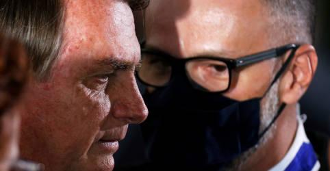 Placeholder - loading - Imagem da notícia Bolsonaro diz duvidar que Justiça obrigue vacinação contra Covid-19 e ataca 'aprendizes de ditadores'