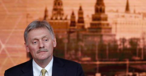 Placeholder - loading - Imagem da notícia Kremlin lamenta que eleição nos EUA pareça 'competição para mostrar quem gosta menos da Rússia'