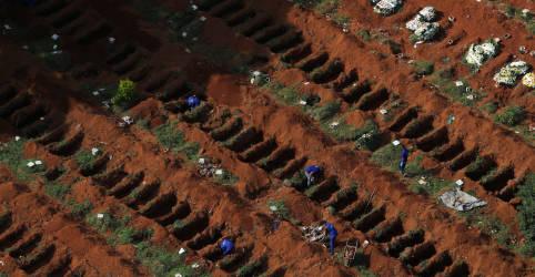 Placeholder - loading - Imagem da notícia Brasil tem 432 novas mortes por Covid-19, total de óbitos é de 156.903