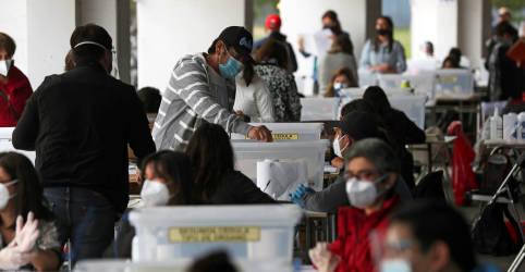 Placeholder - loading - Urnas abrem no Chile para plebiscito histórico que pode levar à nova Constituição