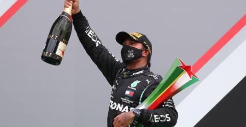 Placeholder - loading - Imagem da notícia Hamilton vence em Portugal e ultrapassa Schumacher com 92ª vitória na F1