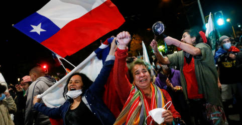Placeholder - loading - Chilenos votam para descartar Constituição da era Pinochet e por nova Carta escrita pelos cidadãos