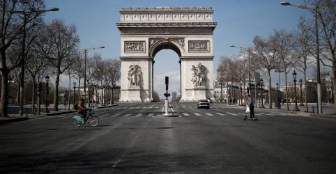 Placeholder - loading - Áreas do Arco do Triunfo e da Torre Eiffel são liberadas após alertas de segurança