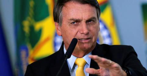 Placeholder - loading - Imagem da notícia Bolsonaro diz que Brasil está importando soja por alta de preços