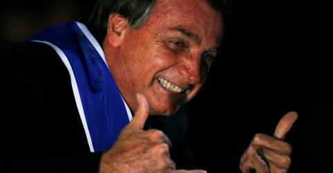 Placeholder - loading - Imagem da notícia Não existe corrupção no governo nem por ministros, nem por parlamentares, diz Bolsonaro