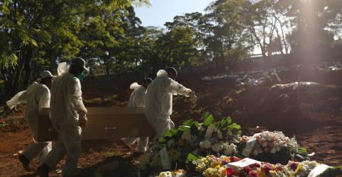 Placeholder - loading - Imagem da notícia Brasil tem 513 novas mortes por Covid-19 e total se aproxima de 159 mil