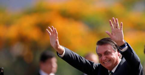 Placeholder - loading - Bolsonaro entra nas campanhas municipais e defende voto em Russomanno e Crivella