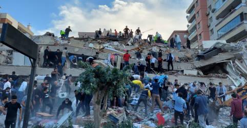 Placeholder - loading - Seis pessoas morrem na Turquia após forte terremoto atingir Mar Egeu