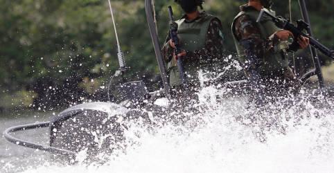 Placeholder - loading - Exército brasileiro patrulha fronteiras na remota região norte da Amazônia