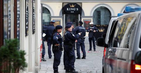 Placeholder - loading - Imagem da notícia Ministro classifica ataque em Viena como 'terrorista islâmico'; sobe para 5 número de mortos
