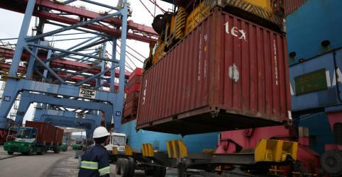 Placeholder - loading - Brasil tem superávit comercial de US$5,5 bi em outubro, abaixo do esperado