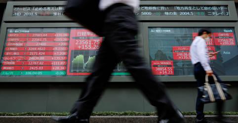 Placeholder - loading - Imagem da notícia Ações asiáticas oscilam com resultados iniciais mostrando eleição acirrada nos EUA