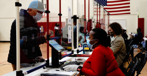 Placeholder - loading - Com votos a serem contados e sem resultado claro, Trump declara vitória e Biden expressa confiança