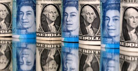Placeholder - loading - Dólar salta ante cesta de moedas com disputa apertada na eleição presidencial dos EUA